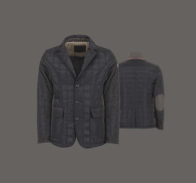 Dark Jacket in tessuto soft padding.